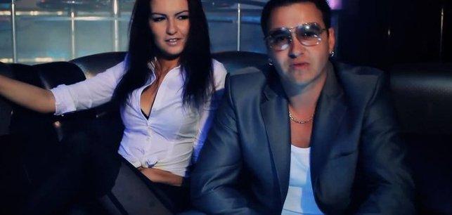 Ola Wróbel z teledysku zespołu Weekend nie ma chłopaka