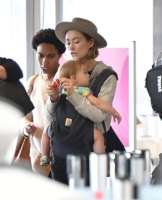 Idealna hollywoodzka rodzinka? Fotoopowieść o Olivii, Jasonie i Otisie