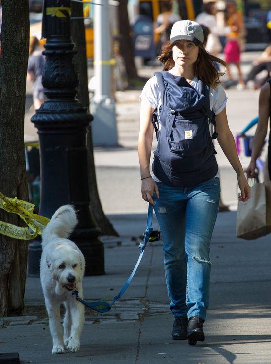 Olivia Wilde - młoda mama nie potrzebuje makijażu? (FOTO)
