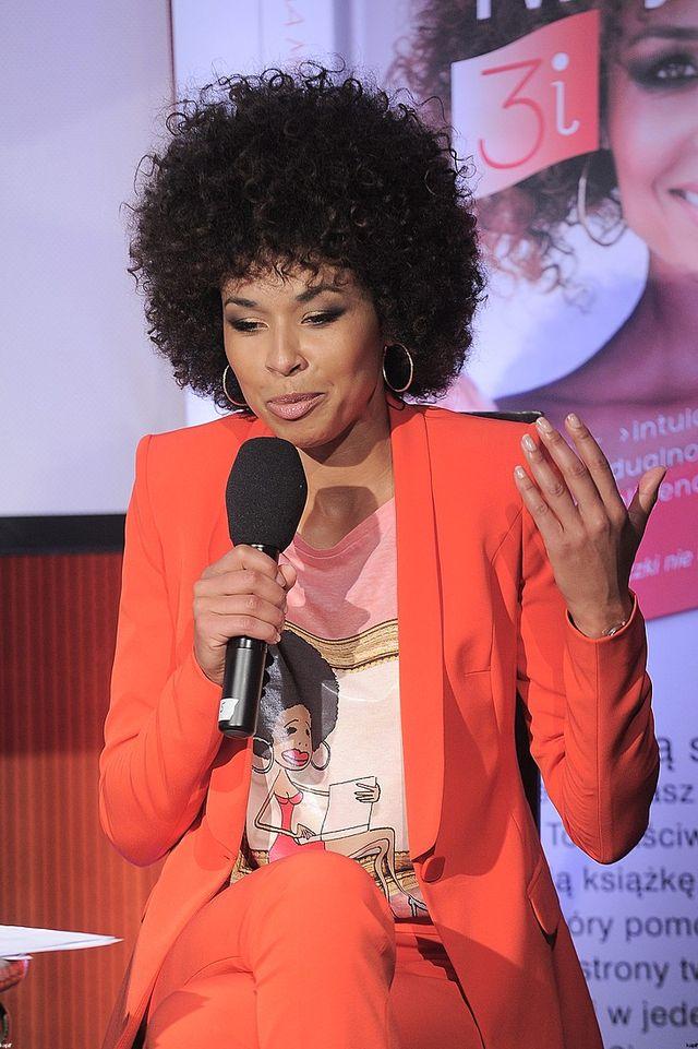 Omena Mensah: Oprócz urody trzeba też mieć mózg [VIDEO]