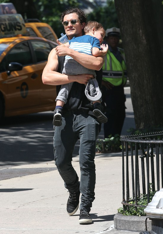 Orlando Bloom- przykładny tatuś