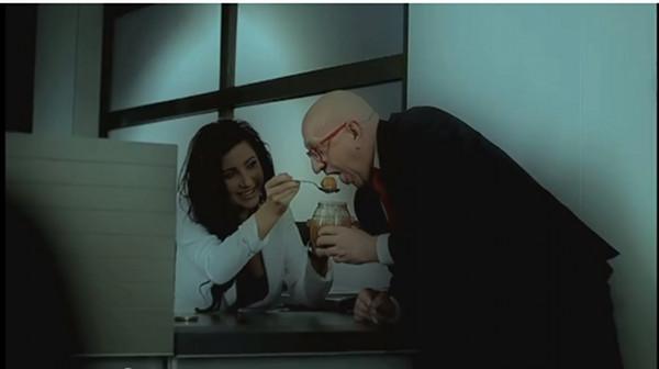 Patrycja Pająk objada się kiszoną kapustą (VIDEO)