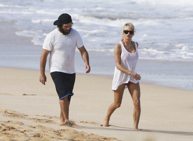 47-letnia Pamela Aderson patroluje plażę (FOTO)