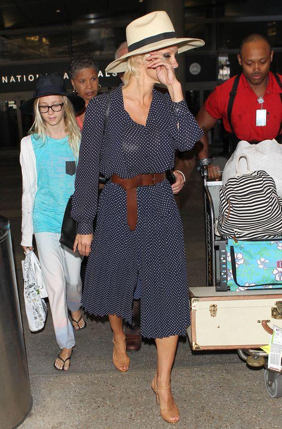 Pamela Anderson próbuje być damą (FOTO)