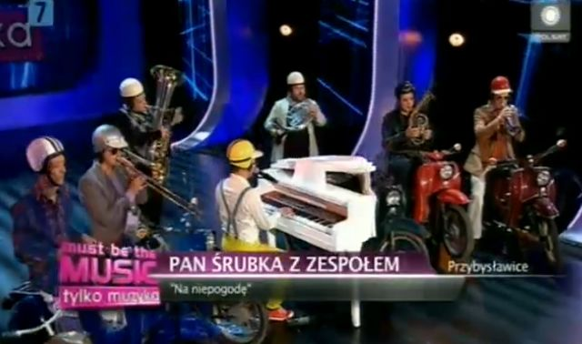 Co si� dzieje w Must Be The Music