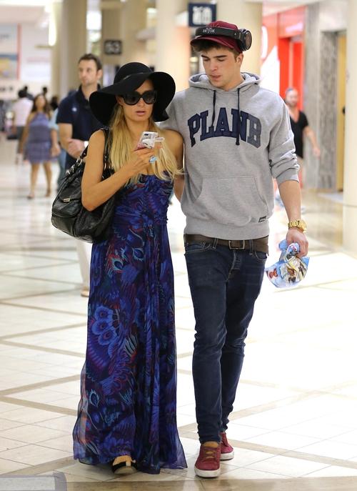Nowy facet Paris Hilton - przystojny? (FOTO)