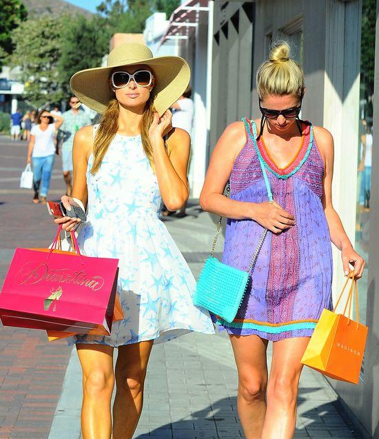 Hiltonówny lansują się w Malibu (FOTO)