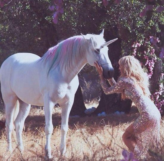 Paris Hilton wypuściła kolejny (k)hit (VIDEO)