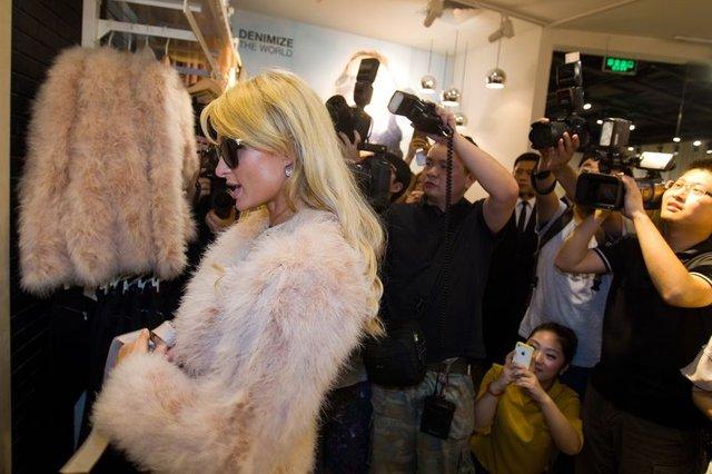 Macie dość napompowanej Kim Kardashian? (FOTO)