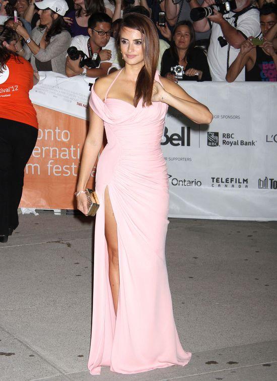 Co powiecie na Penelope Cruz w bardzo krótkich włosach? FOTO