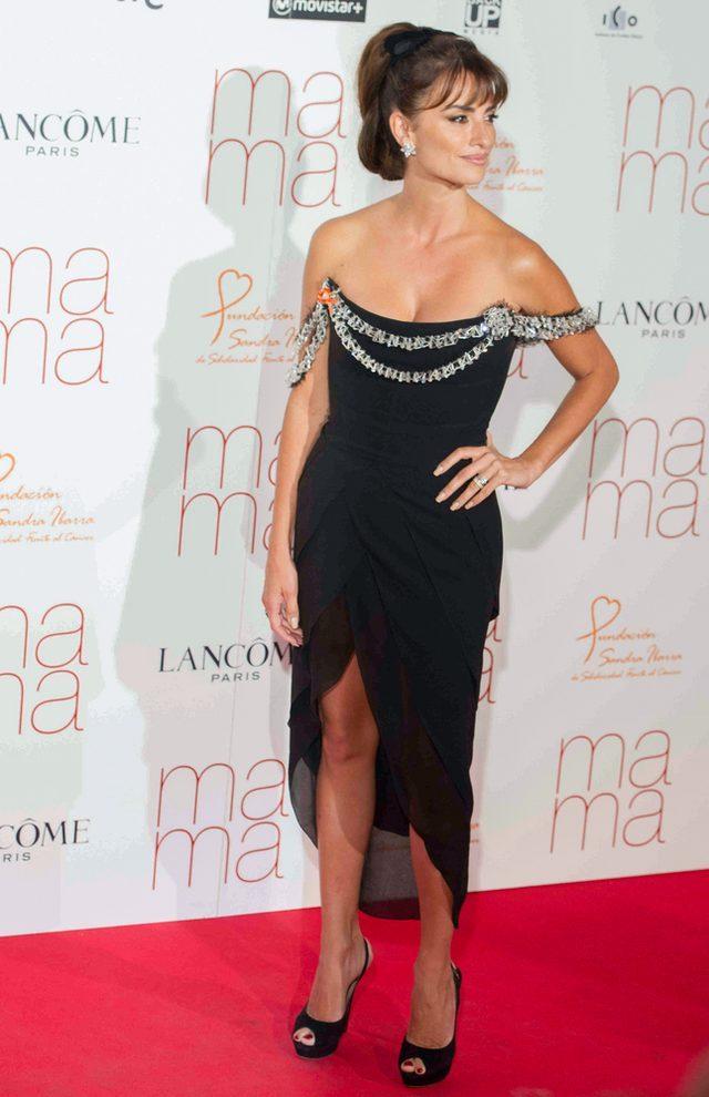 Penelope Cruz z siotrą Monicą na premierze filmu Ma Ma FOTO
