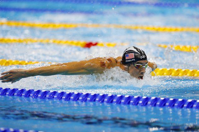 Co to za fioletowe plamy na ciele Michaela Phelpsa?