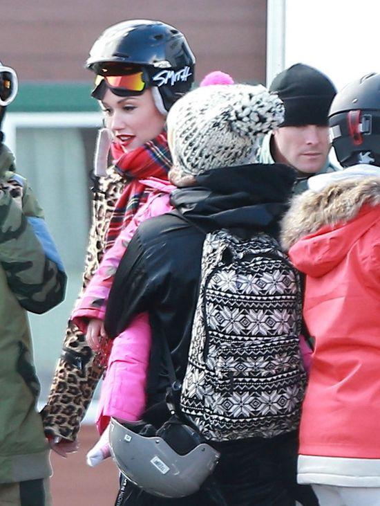 Pink zabrała córkę na stok boso! (FOTO)