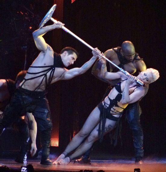 Pink podczas koncertów pokazuje nagie krocze? (FOTO)