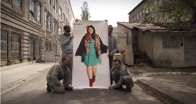 Nowy teledysk Projektu Warszawiak… [VIDEO]