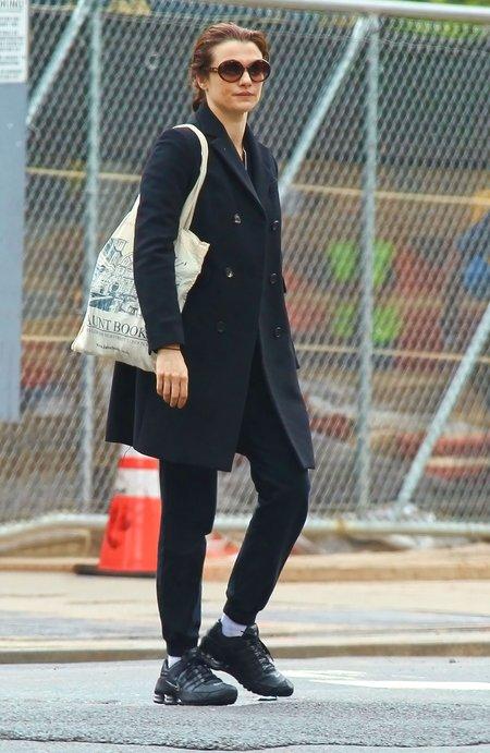 Rachel Weisz nie musi uciekać przed papparazzi