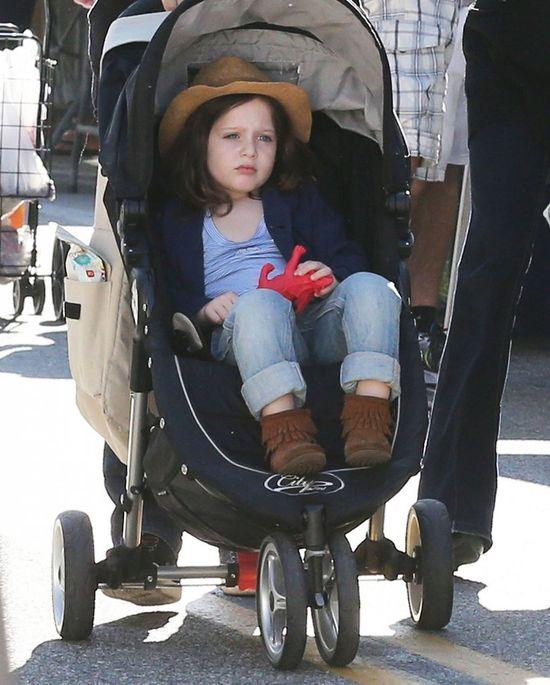 Cztery latka i wciąż w wózku (FOTO)