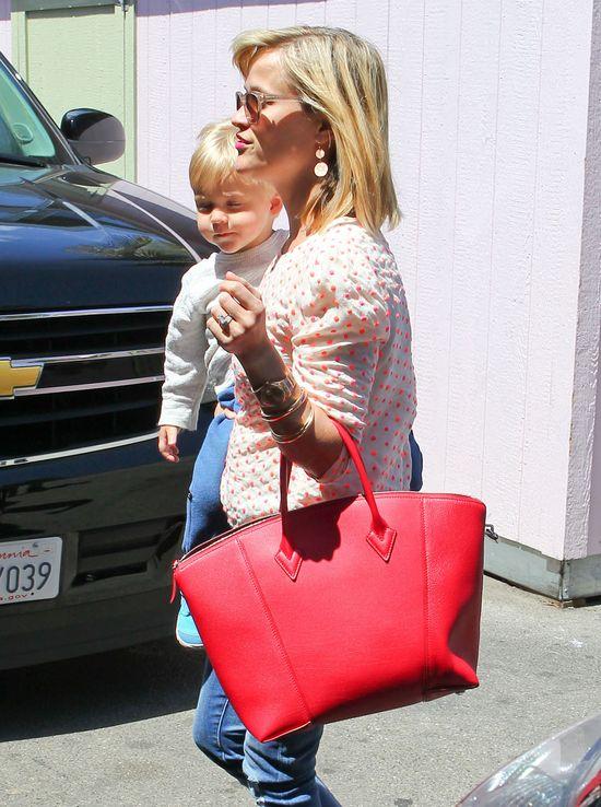Reese Witherspoon ukrywała syna przez 21 miesięcy!