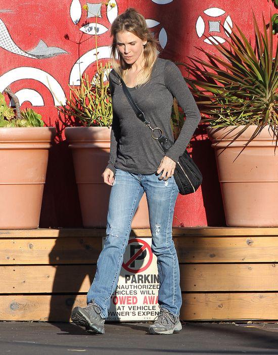 Jak Renee Zellweger reaguje na plotki o swoim wyglądzie?