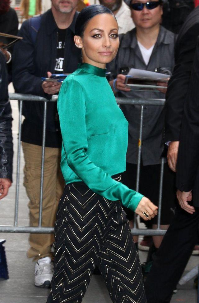 Nicole Richie nosi ubrania swej sześcioletniej córki (FOTO)