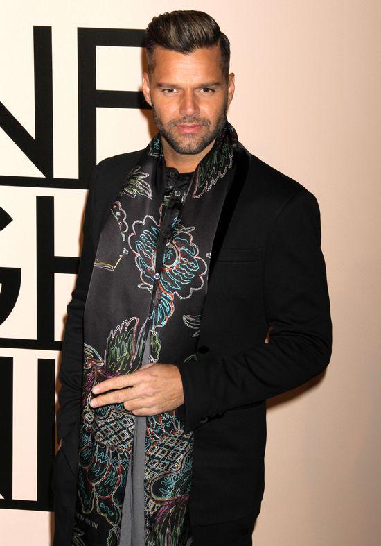 Ricky Martin rozsta� si� z ch�opakiem