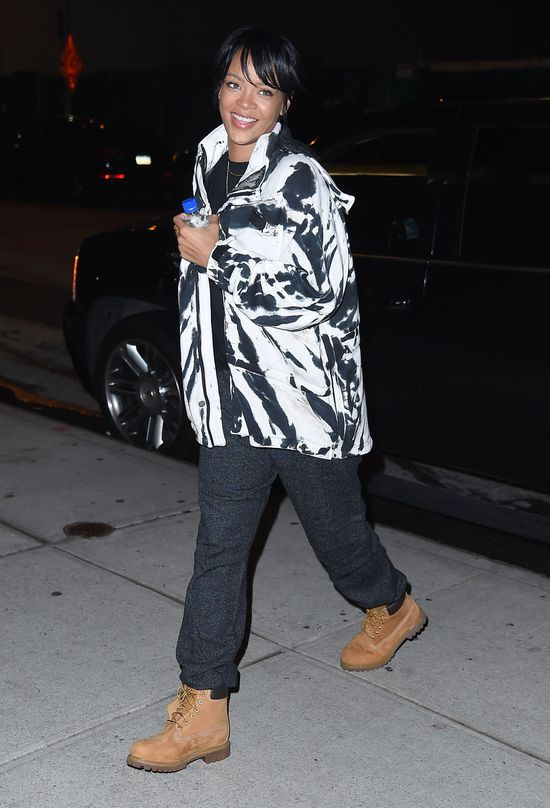 Jak wygląda Rihanna bez peruki? (FOTO)