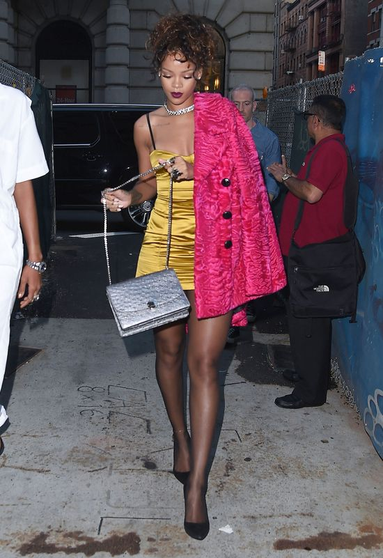 Zarzucają Rihannie, że wygląda jak prostytutka (FOTO)