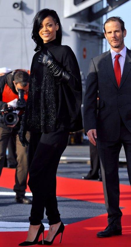Rihanna promuje swój nowy film - Battleship (FOTO)