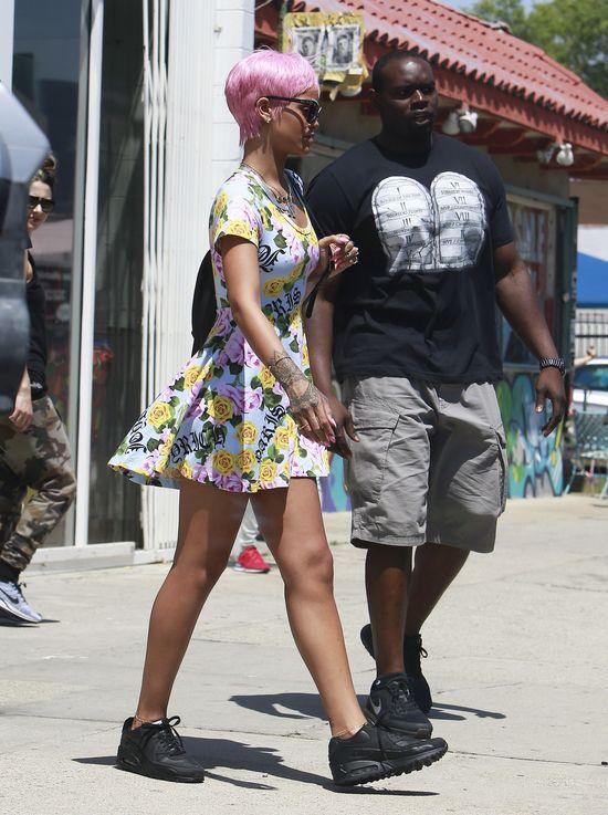 Rihanna nie ma czego na siebie włożyć!