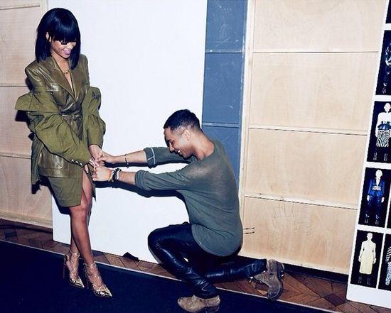 Rihanna - seks bomba w kolorze khaki (FOTO)