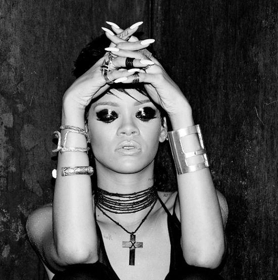 Rihanna i Drake zostawili w klubie go go 100 tysięcy $