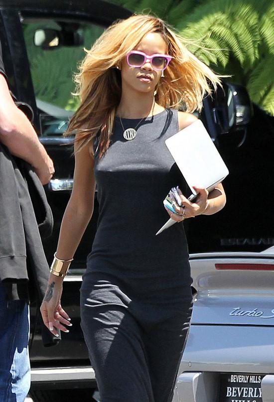 Rihanna dostanie 5 mln dolarów odszkodowania od Top Shop