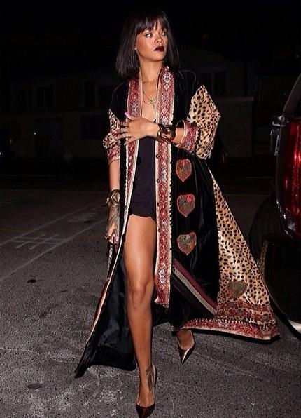 Co Rihanna ma na sobie? (FOTO)