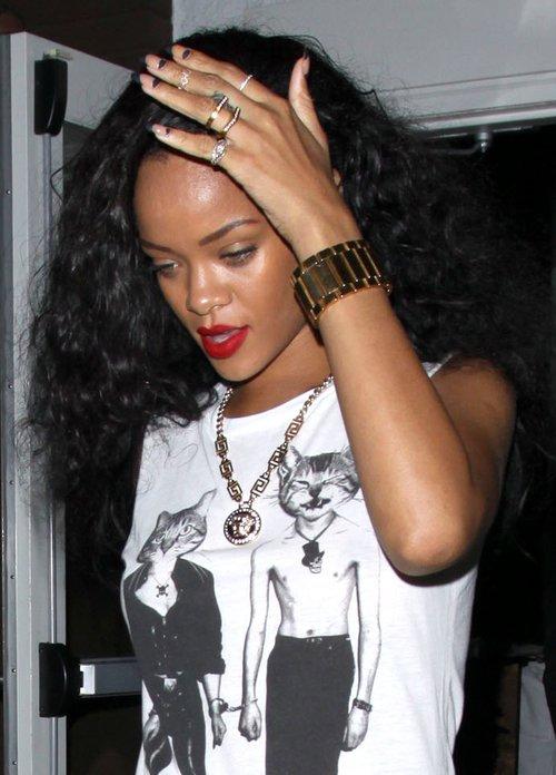 Chcesz mieć bluzkę jak Rihanna? (FOTO)