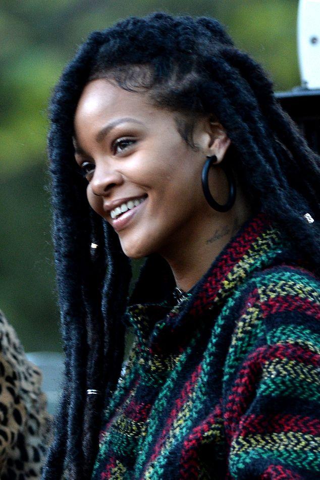 Rihanna bez peruki i doczepów. Tak teraz wyglądają jej naturalne włosy?