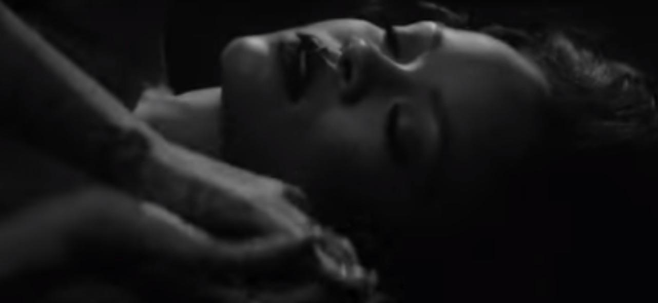 Teledysk do Kiss It Better Rihanny najseksowniejszym w jej karierze?