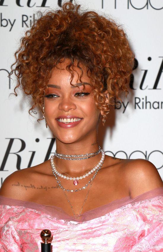 Rihanna promuje perfumy, a fani pytają: Gdzie nowa płyta?