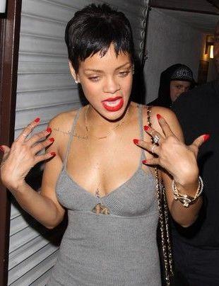 Rihanna świętuje zakończenie prac nad płytą Unapologetic