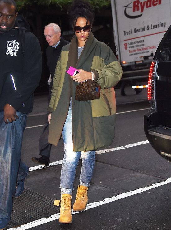 Rihanna zgarnia laury za swoje stroje
