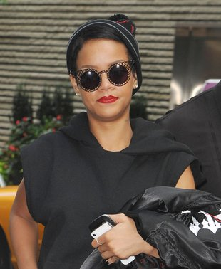 Rihanna ma powody do zadowolenia (FOTO)
