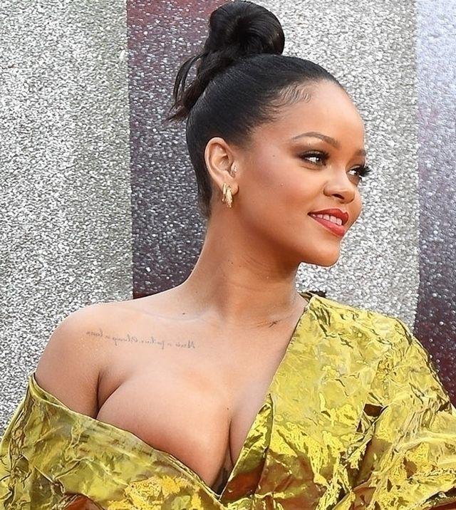 Niewiele brakowało i Rihanna zaliczyłaby WPADKĘ na czerwonym dywanie (ZDJĘCIA)