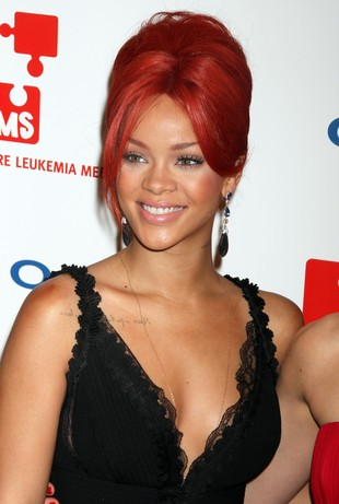 Chris Brown chce, żeby Rihanna powiększyła piersi