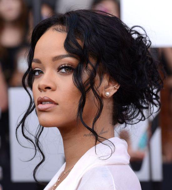 Rihanna chce wysłać Brownowi prezent z okazji zostania ojcem