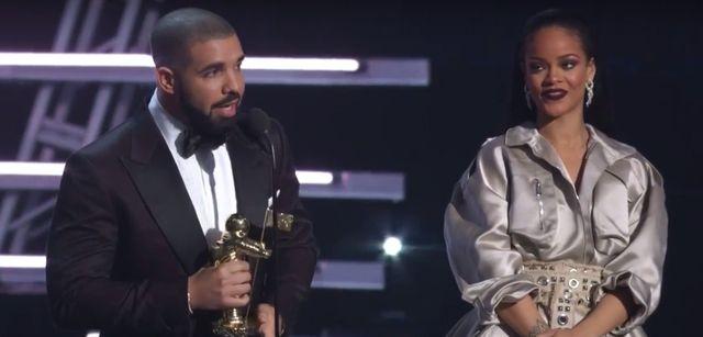 Drake wyznaje mi�o�� Rihannie. Nie takiej reakcji si� spodziewa�