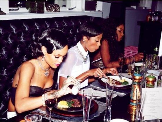 Tak na Sylwestra bawiła się Rihanna (FOTO)