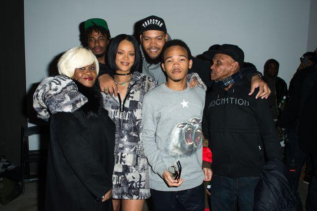 Wszyscy p�acz�, bo Rihanna odwo�a�a wyst�p na Grammy