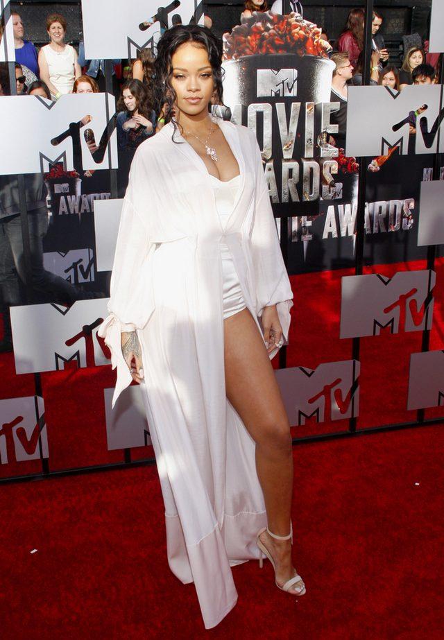Rihanna przyzna�a si� do s�abo�ci zwi�zanej z zakupami