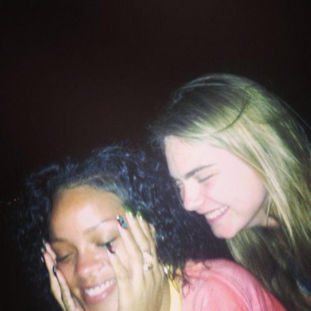 Cara Delevingne imprezuje z Rihann� (FOTO)