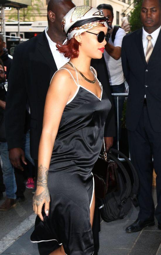 Kiedy Rihanna nie stała w blasku fleszy na gali MET... FOTO