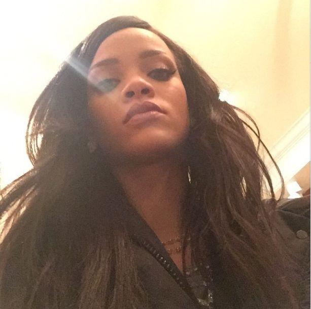 Rihanna przy�apana na wci�ganiu narkotyk�w? (Instagram)